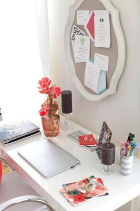Desk_Pic1
